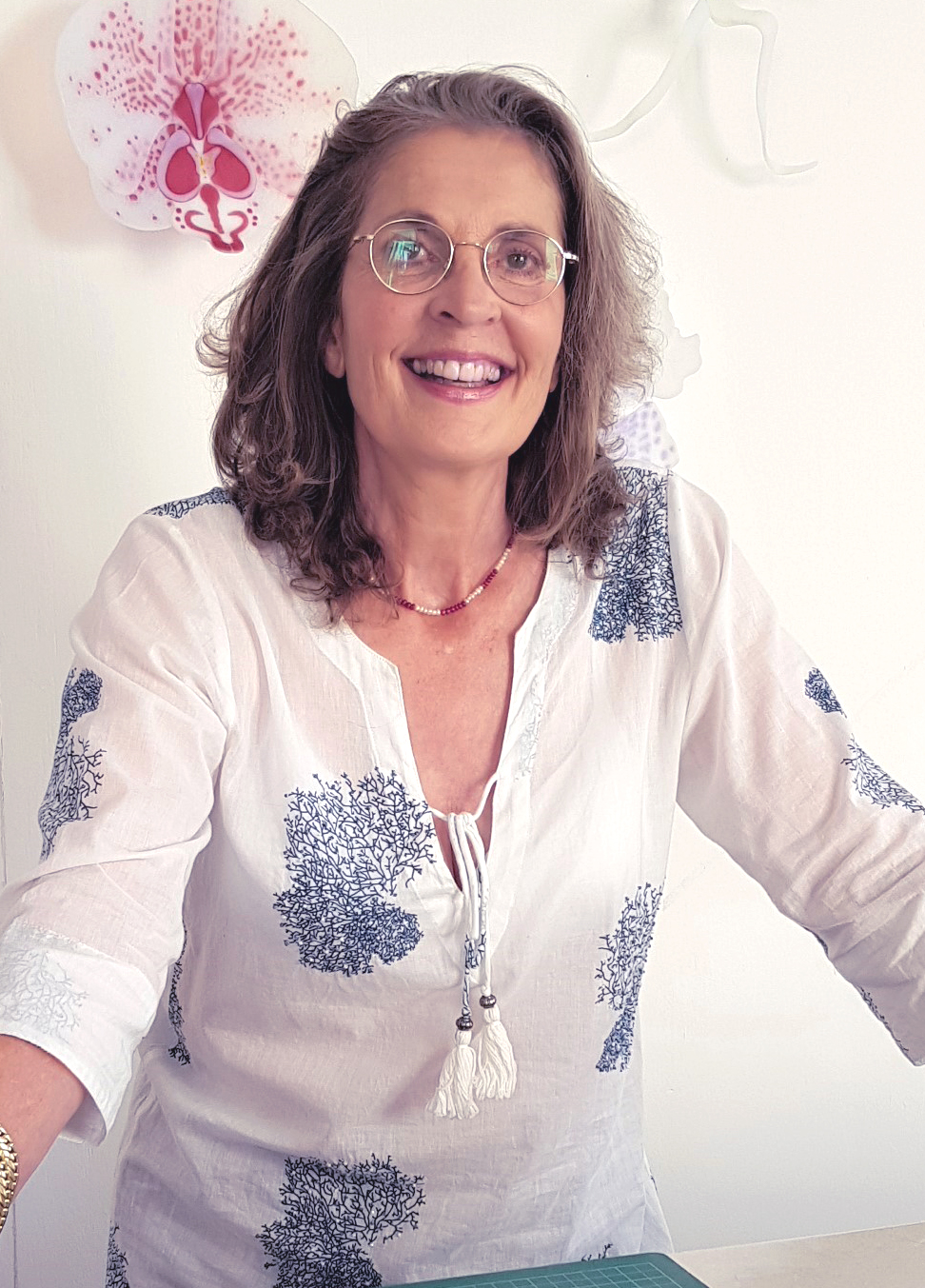 author laura hart